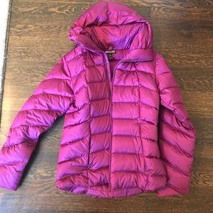 dark magenta patagonia jacket